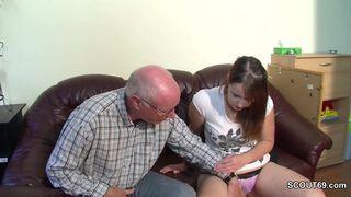 Stiefvater fickt seine Stieftochter