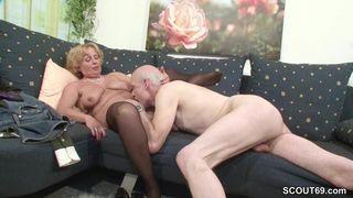 Blonde Oma Porno